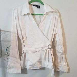 New East 5th shirt with belt